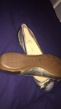 Ivanka trump 9m gold and silver flats Gloucester, 23061
