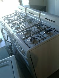small GAS stove excellent condition very clean  Baltimore, 21223