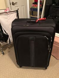 Luggage delsey 28' spinner Vaughan, L4L