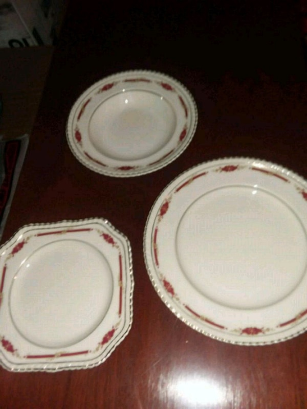 Used White Antique Ceramic Plates And Bowls For In Arlington Heights Letgo