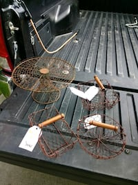 Assorted wire baskets and cake stand East Islip, 11730