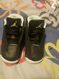 pair of black Air Jordan basketball shoes Barrie, L4M 1L1