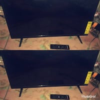 Vizio TV with remote 34 Inch