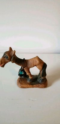 brown and black horse figurine Frederick, 21703