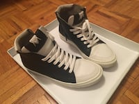 Black and white high top sneakers Toronto, M2R 1Z7