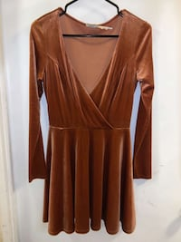 Ladies dress  Toronto, M5A 0M7