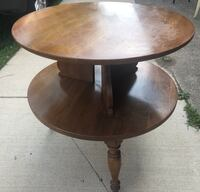 Vintage round table solid wood great shape  South Bend, 46619