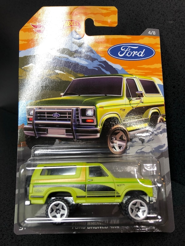 Hot Wheels Ford Bronco 4x4 (Diecast Metal Body and Base)