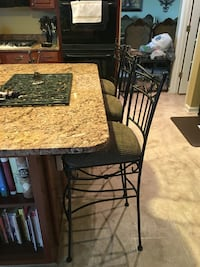 3 metal  stools. Great condition ? Warrenton, 20186