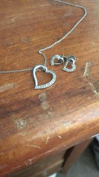silver chain necklace with heart pendant Redding, 96003