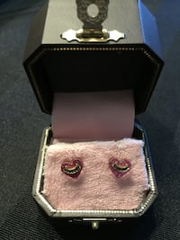 Juicy couture pink stud earrings Vancouver, V6P 2L1