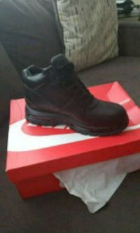 Nike black leather work boot Temple Hills, 20748