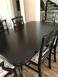 Dining table w/ 3 leaves and 12 seats AND MORE Toronto, M5M