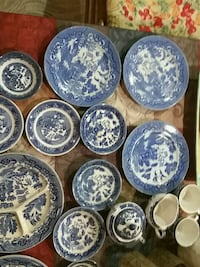 round white and blue ceramic plate lot Manalapan Township, 07726