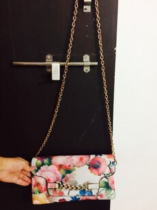 white floral chain crossbody bag