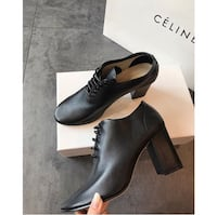 pair of black leather heeled shoes with box Detroit, 48206