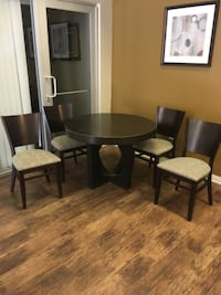 5 piece dinnet set Palmdale