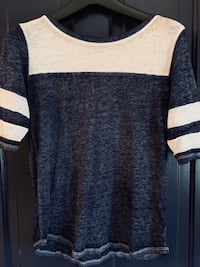 SO brand jersey style top /L Hagerstown, 21740