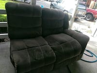 Free sectional couch with recliners built in. Vancouver, 98661