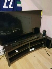 T.v. stand fits up to 65 inch tv Vancouver, V5R 2K6