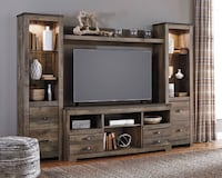 Includes brand new Tv stand 2 Piers and bridge
