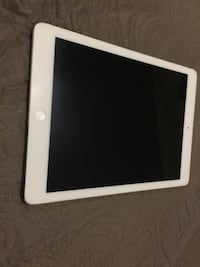 Apple iPad Air 16gigs in Perfect Condition. No Scratches, dings, dents or scuffs. Clinton, 39058