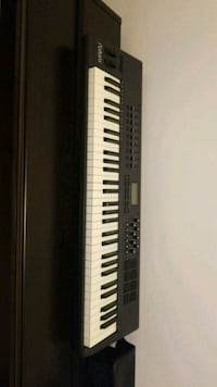 black and white electronic keyboard Montréal, H3L 3G7