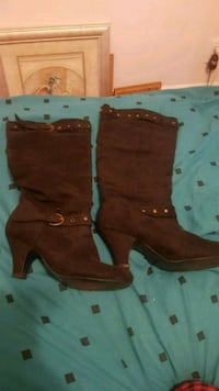 pair of black suede boots Barrie, L4N 2R8