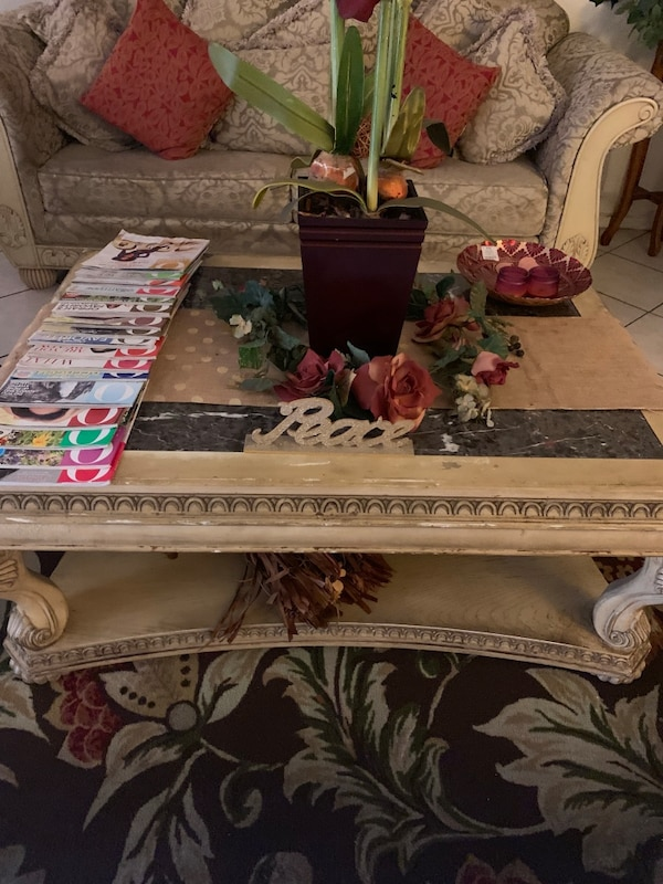 Couch's & Coffee Table. 40ddeeac-9295-4537-9793-4fc39ccdfc0c