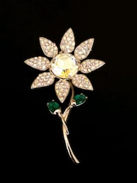 Vintage  signed Brooch by Weiss Odessa, 64076