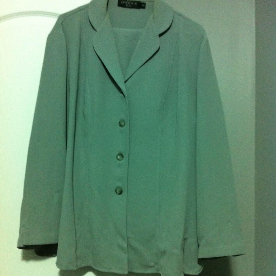 Womens Pant suit (Jacket and Pant), size 18, pea green colour.