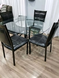 Small dining table quick sale..  Brampton, L6Y 2V2