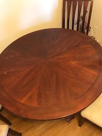 Round Dining Room Table With 4 Chairs Kannapolis, 28027
