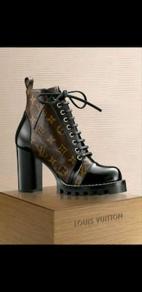 BRAND NEW LOUIS VUITTON LEATHER MONOGRAM BOOTS Toronto