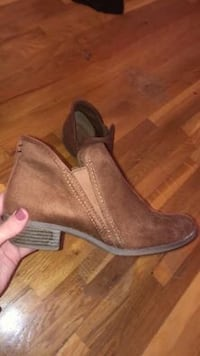 brown boots Plainsboro, 08536
