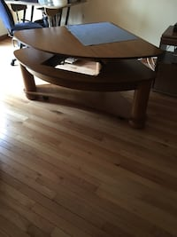 Brown wooden corner table Dale City
