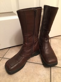Pair of brown leather boots 38B Edmonton, T5N 3S1