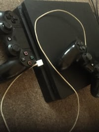 Refurbished PS4 w/2 Controllers MILWAUKEE