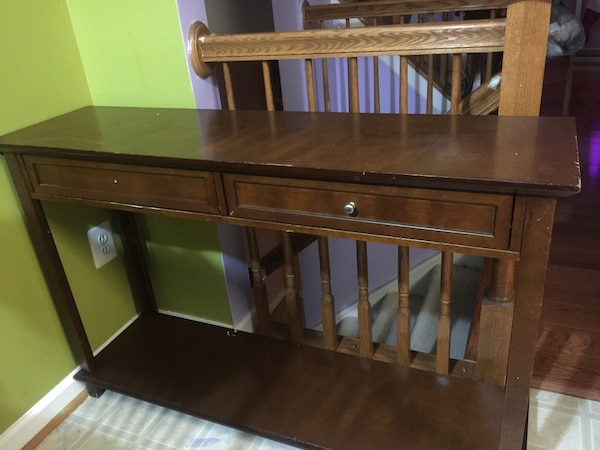 Brown wooden desk/ table