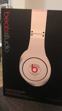 white Beats by Dr. Dre Beats Studio wired headphones