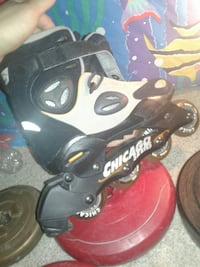 unpaired black and gray Chicago States inline skate Buffalo, 14228