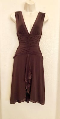 Like new super stretchy plunging neck chocolate brown Bebe Dress with flowing bottom. Sz S 2066 mi