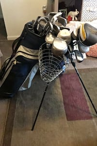 Two sets of golf clubs Mustang, 73064