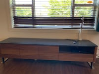 Mobler tv stand