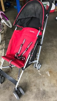 Maclaren stroller. Well used but still very good condition Kenmore, 98028