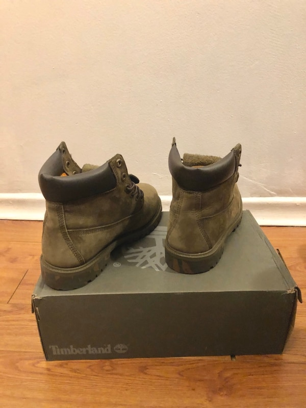 Size 7 Timberland a7cf3242-4048-4d47-be97-05a425871639