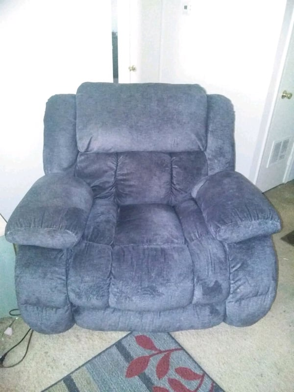oversized electric recliner 44c03b64-6b96-4a50-a192-45144a065ade