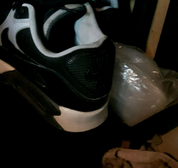 47d833260850 Used pair of white-and-black Nike basketball shoes for sale in ...
