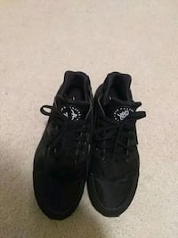 pair of black Adidas low top sneakers New Albany, 43054
