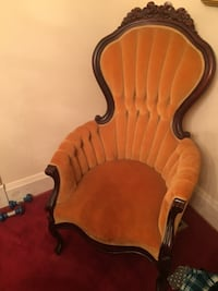 Gold vintage French provincial chair great shape Baltimore, 21234